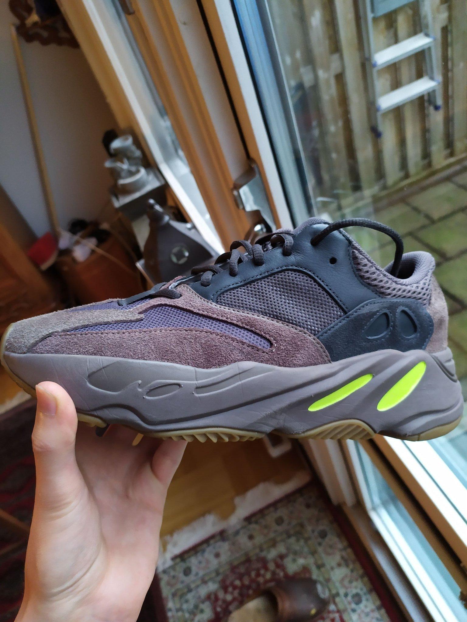 adidas YEEZY 700 | Dopest