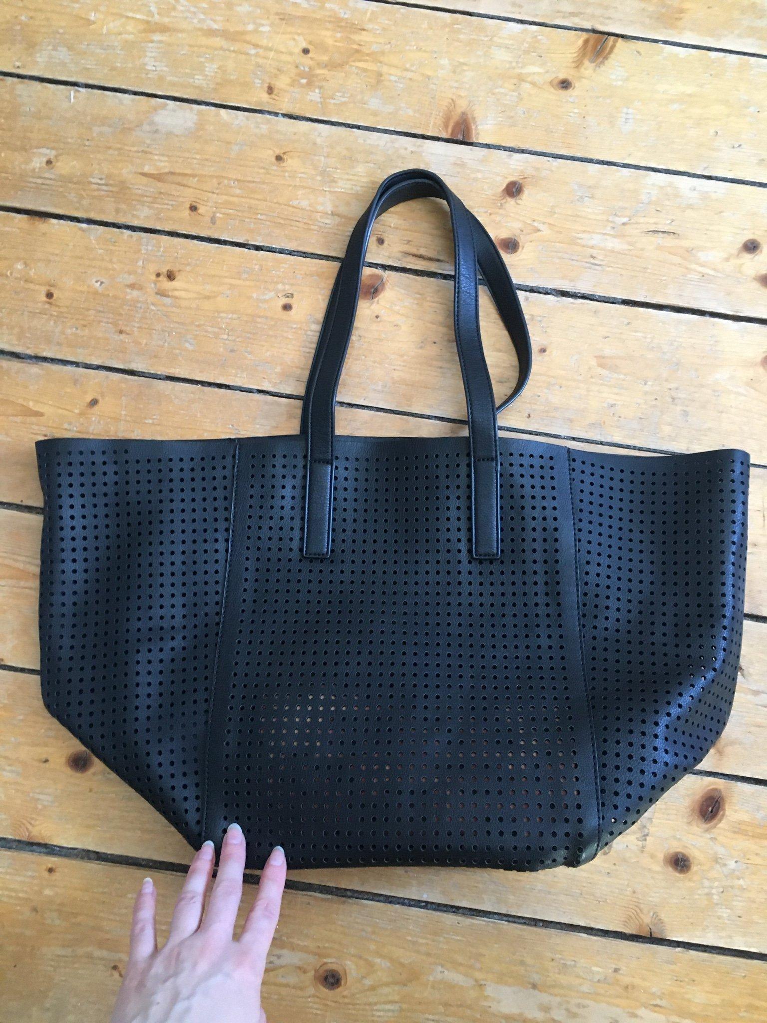 H&m väska Svart perferat låtsas läder imitation dataväska shopper axelremsväska