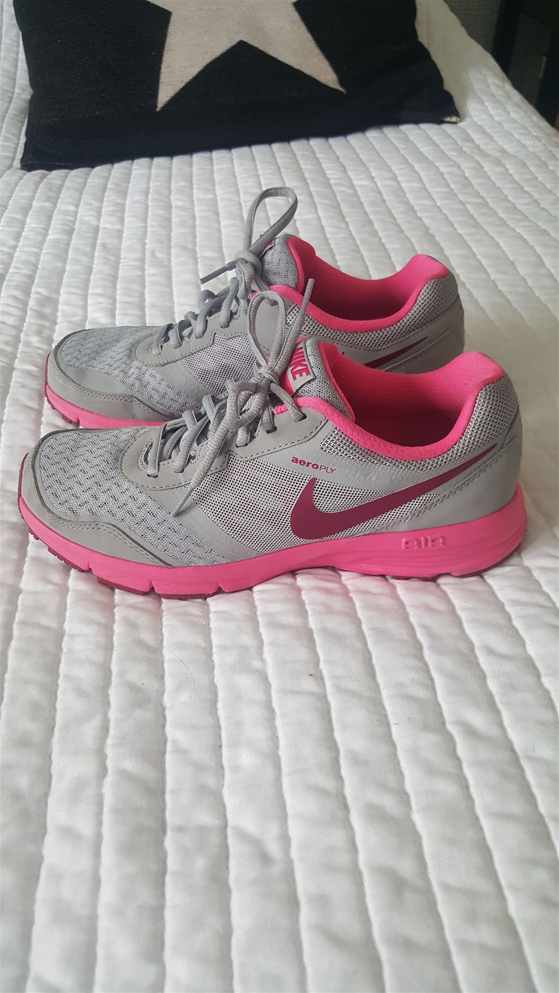 buy online 278b1 c4133 Nike Air Max Thea skor - Storlek 38,5 på Tradera.com - Sneakers,fina nike  skor