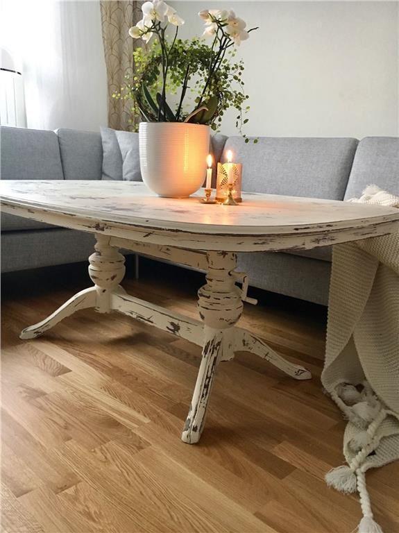Vackert lantligt soffbord målat i kalkfärg och vaxat på Tradera.com -