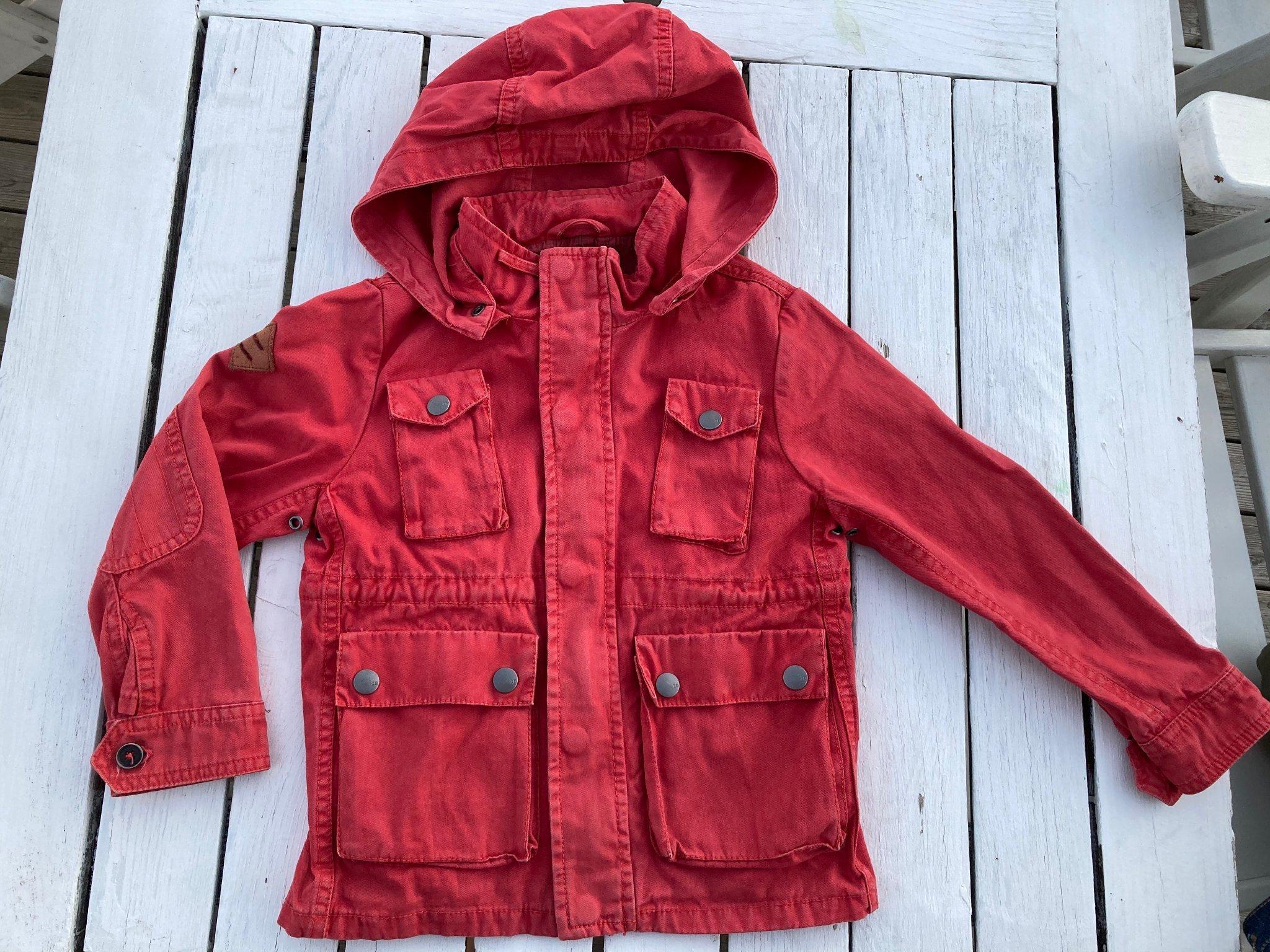 ZARA röd jacka sommarjacka höstjacka m avtagbar huva, strl. 110, fint skick!