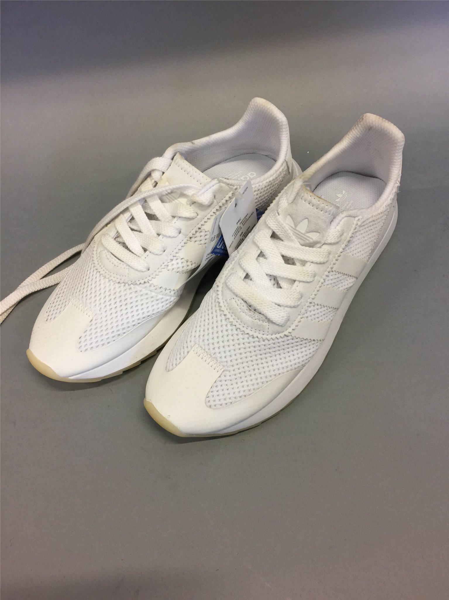 buy popular 6ee8f ae2c7 Adidas skor, storlek 38 2 3