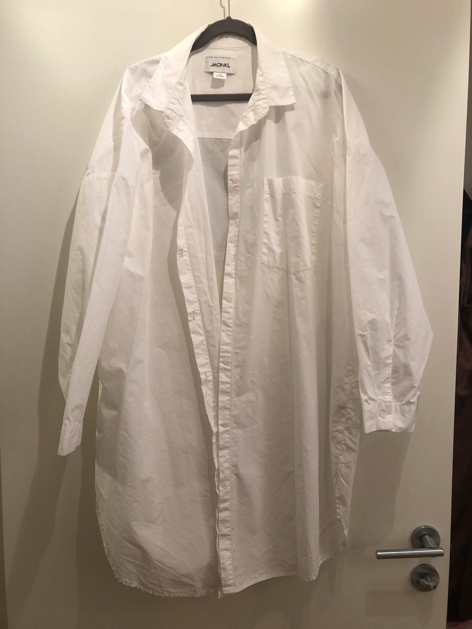 Vit lång skjorta från Monki 2b59185d91ff6