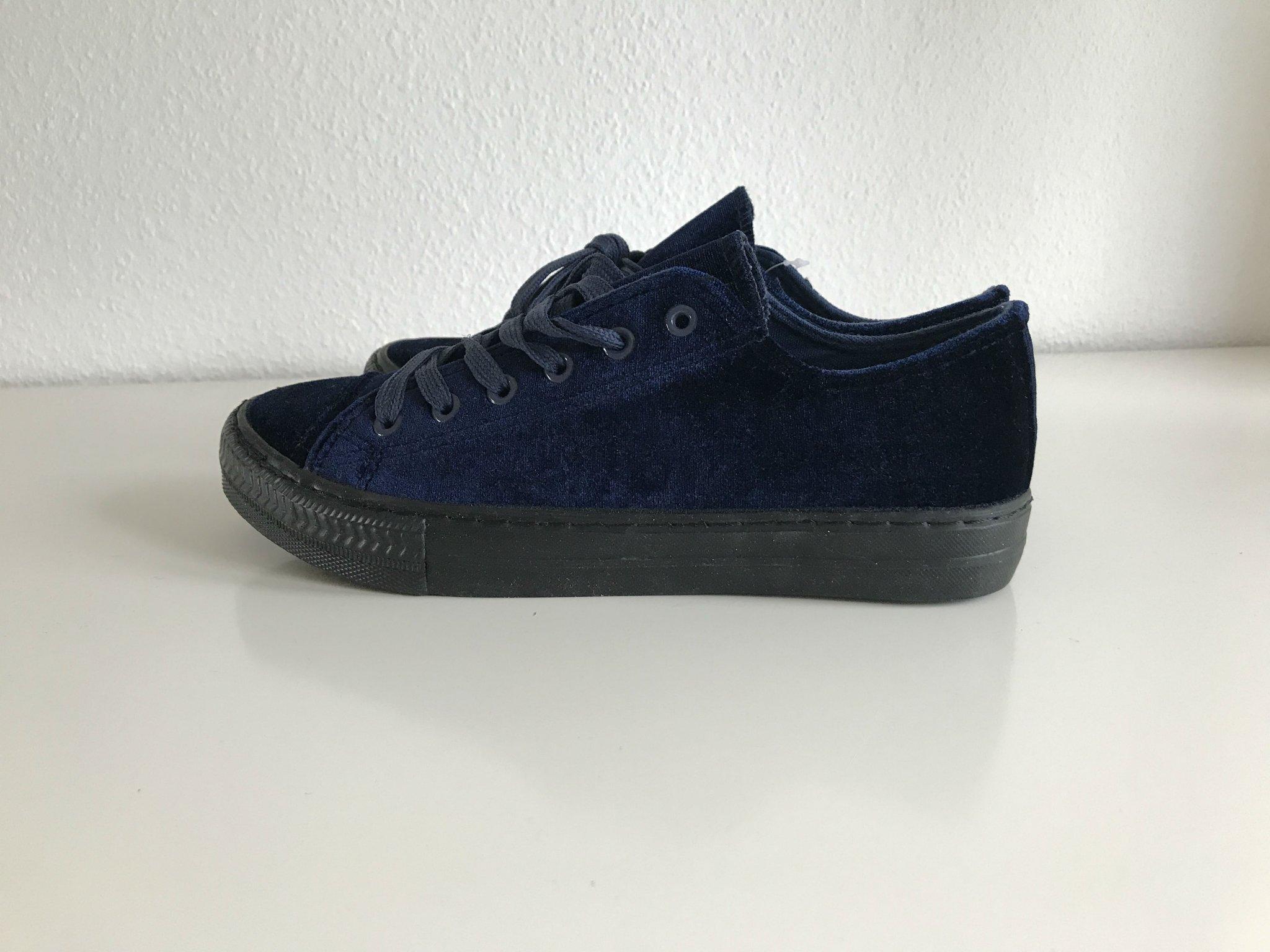 849c7ba1921 Nya oanvända blåa sammet skor sneakers 38 Claud.. (355160242) ᐈ Köp ...