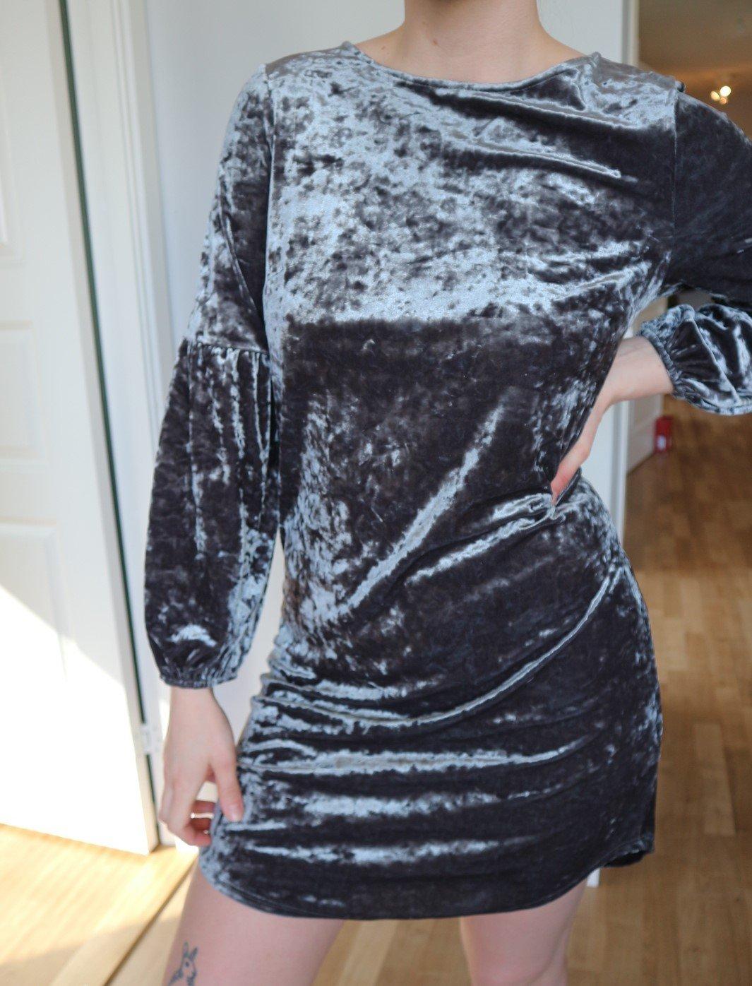 Klänning krossat sammet | STORTMODE.se