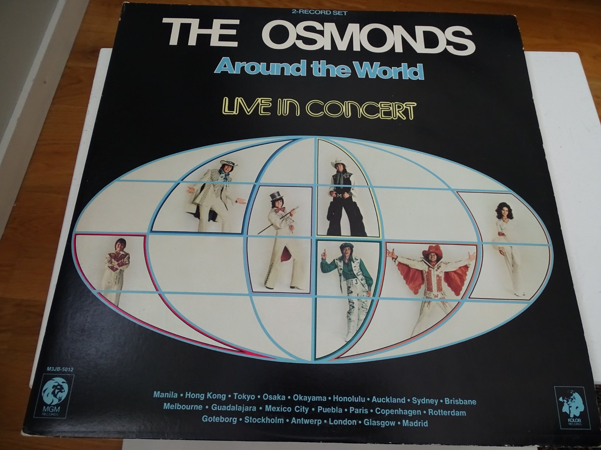 Osmonds - Around The World Live In Concert. MGM M3JB 5012. 1975.
