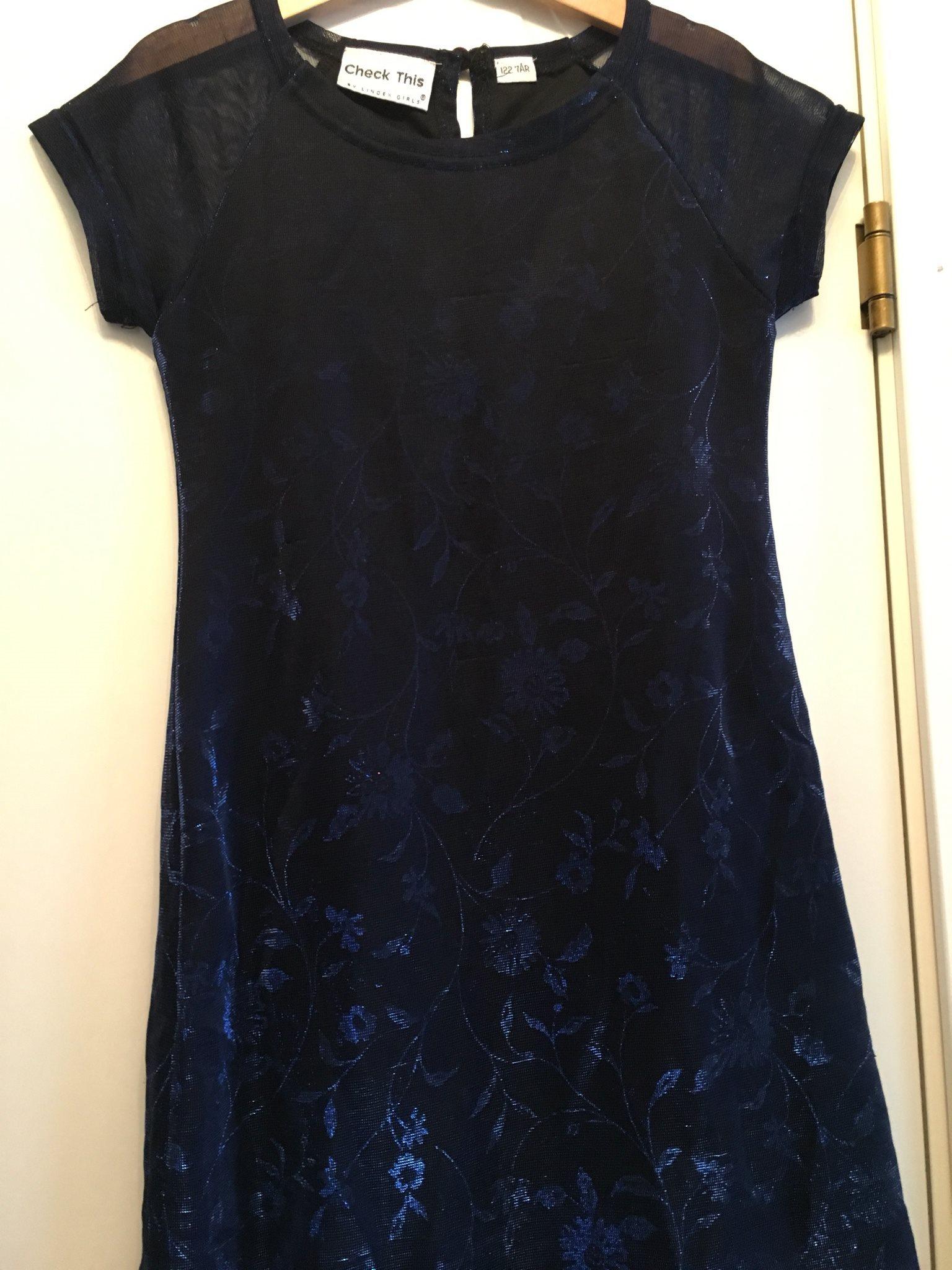 blå glittrig klänning
