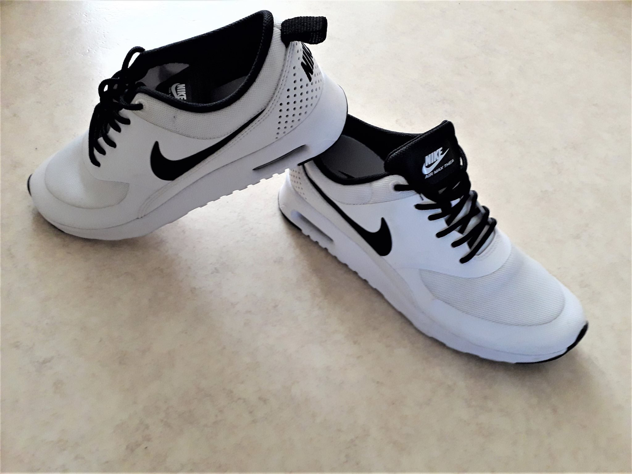sports shoes af2ef 7f637 NIKE air max thea thea skor sneakers Stl.38,5(för stl.