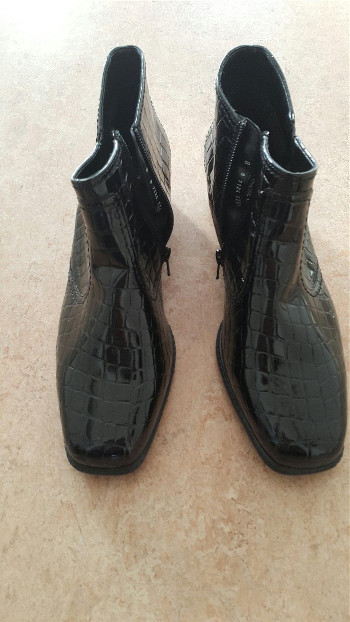e107868533b Nya svarta skor från Jenny by ara . Strl : 8 /.. (346075221) ᐈ Köp ...