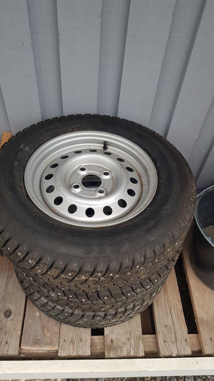 dubbade däck släpvagn
