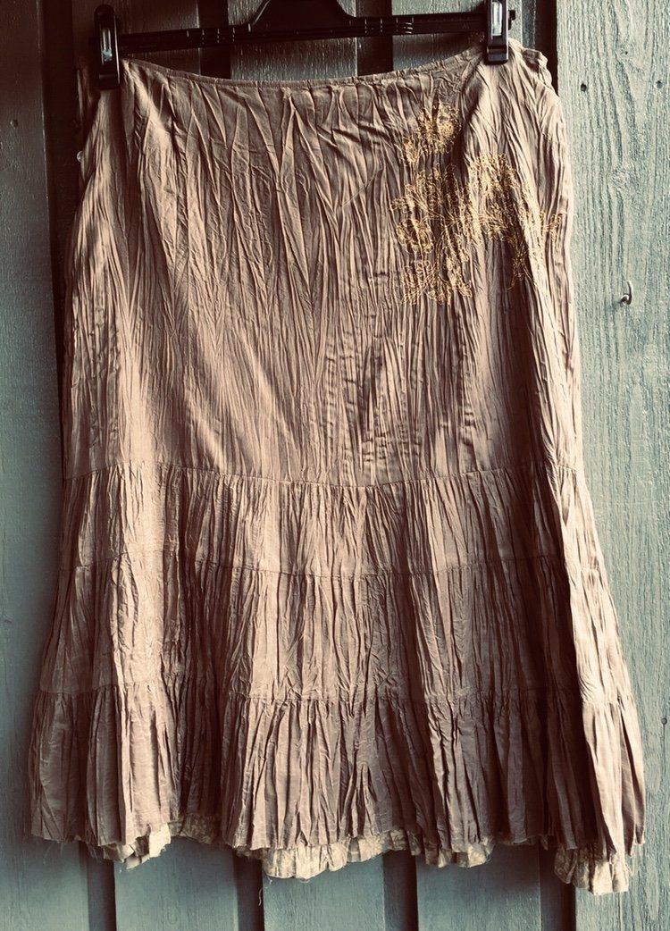 Noa Noa kjol i siden stl XL (341109863) ᐈ Köp på Tradera d9ac236e5199d