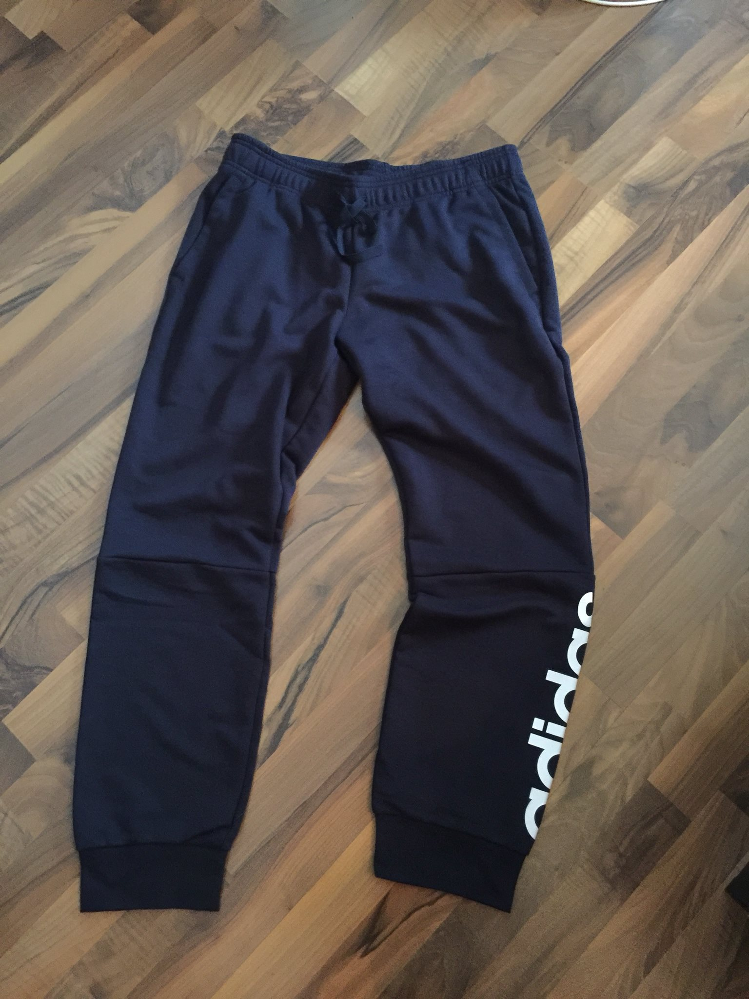 joggingbyxor adidas