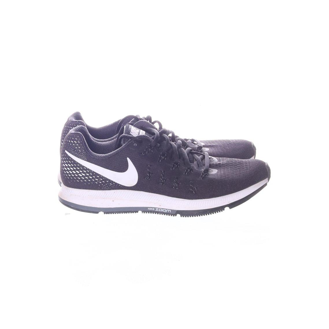new product 94647 639b5 Nike, Gymnastikskor, Strl 43, Svart
