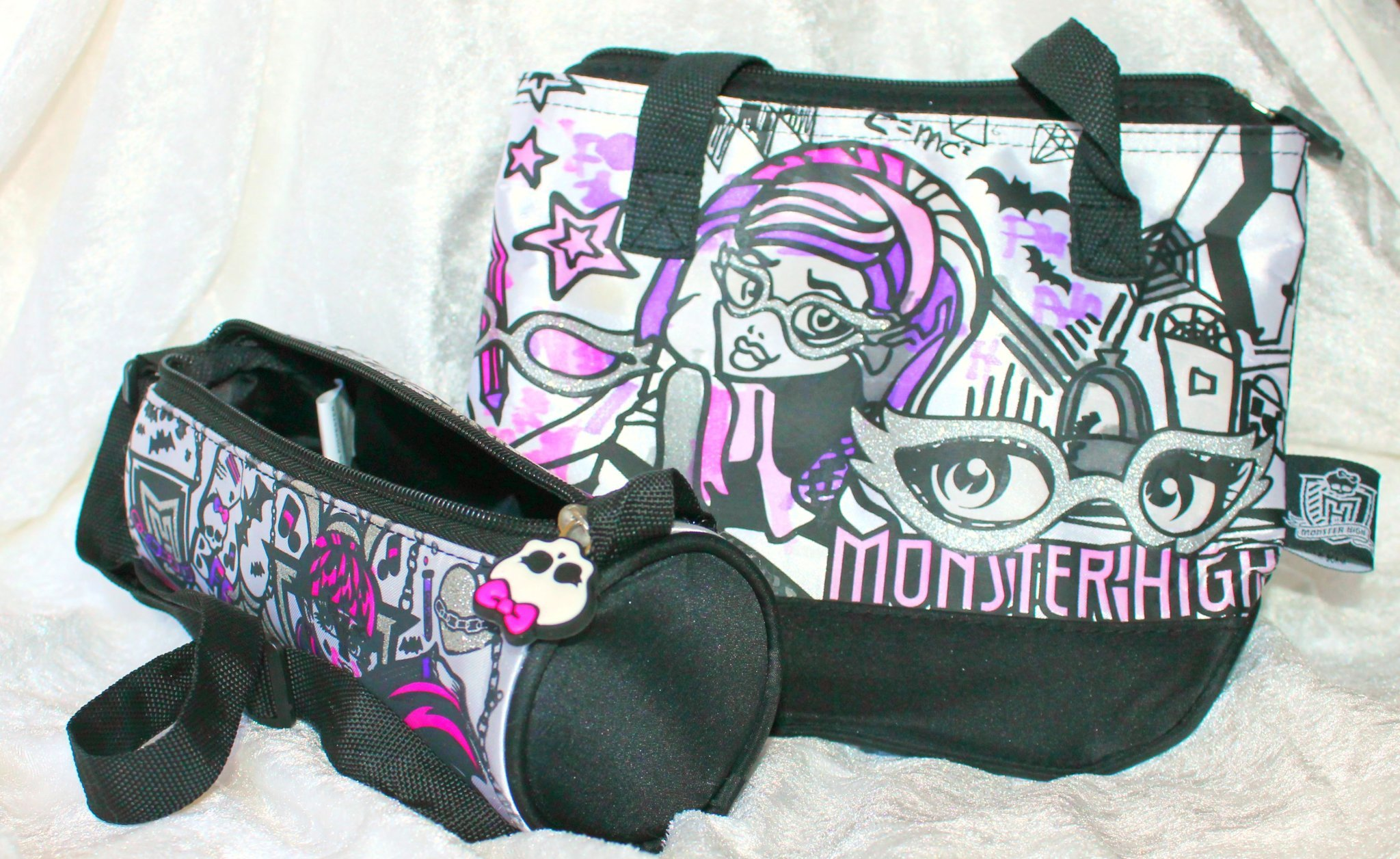Monster High pennskrin necessär + väska all .. (389032869
