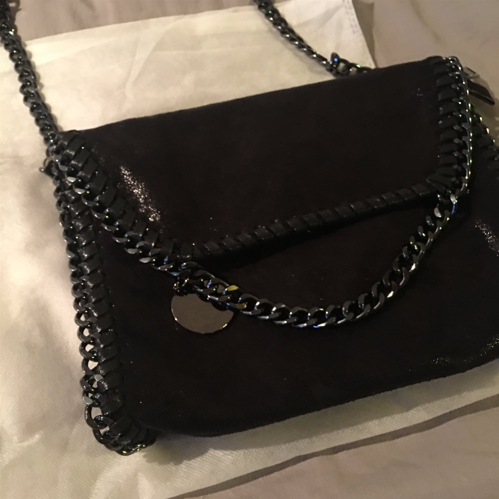 väska med silverkedja