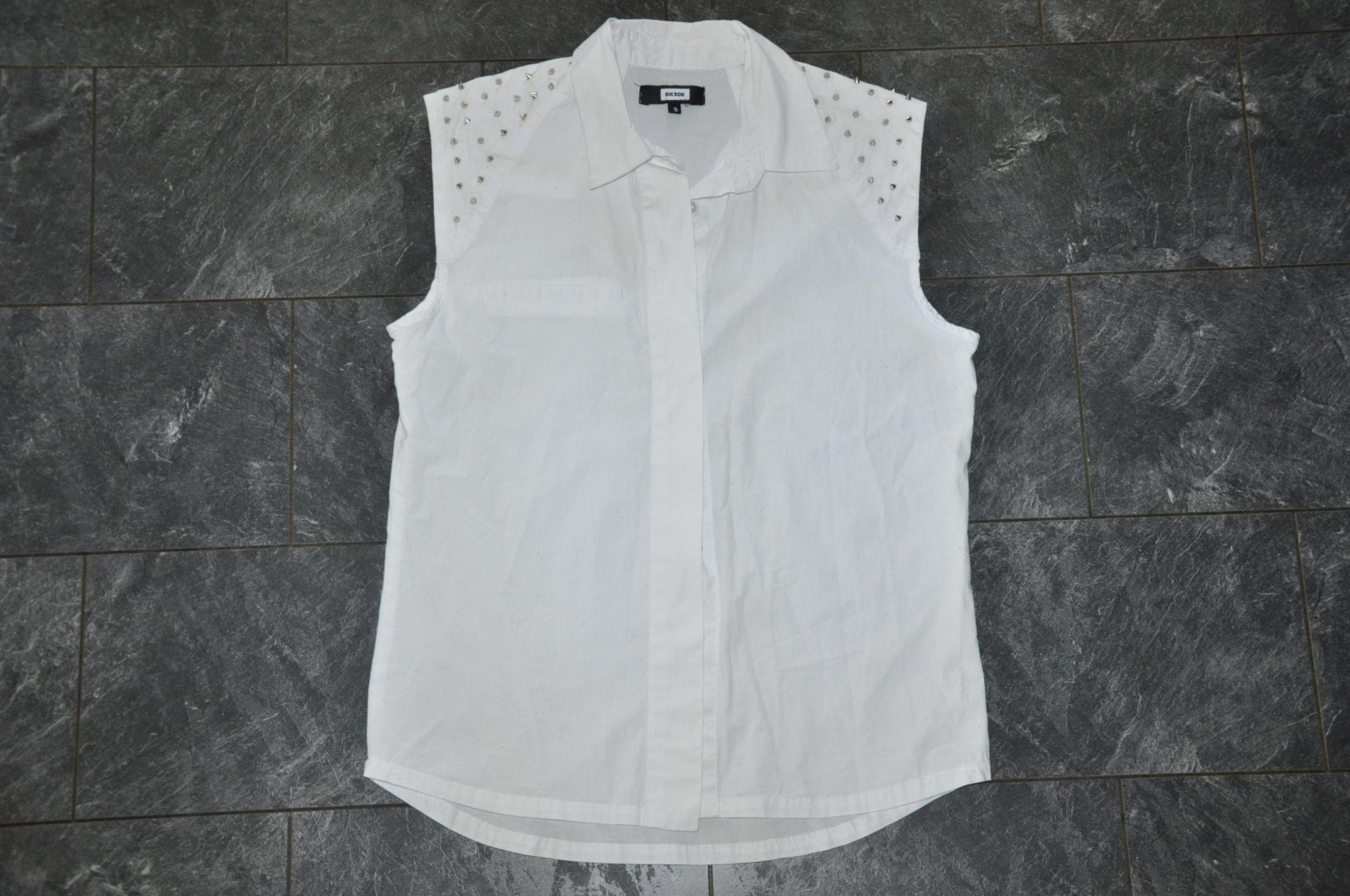 skjorta med nitar