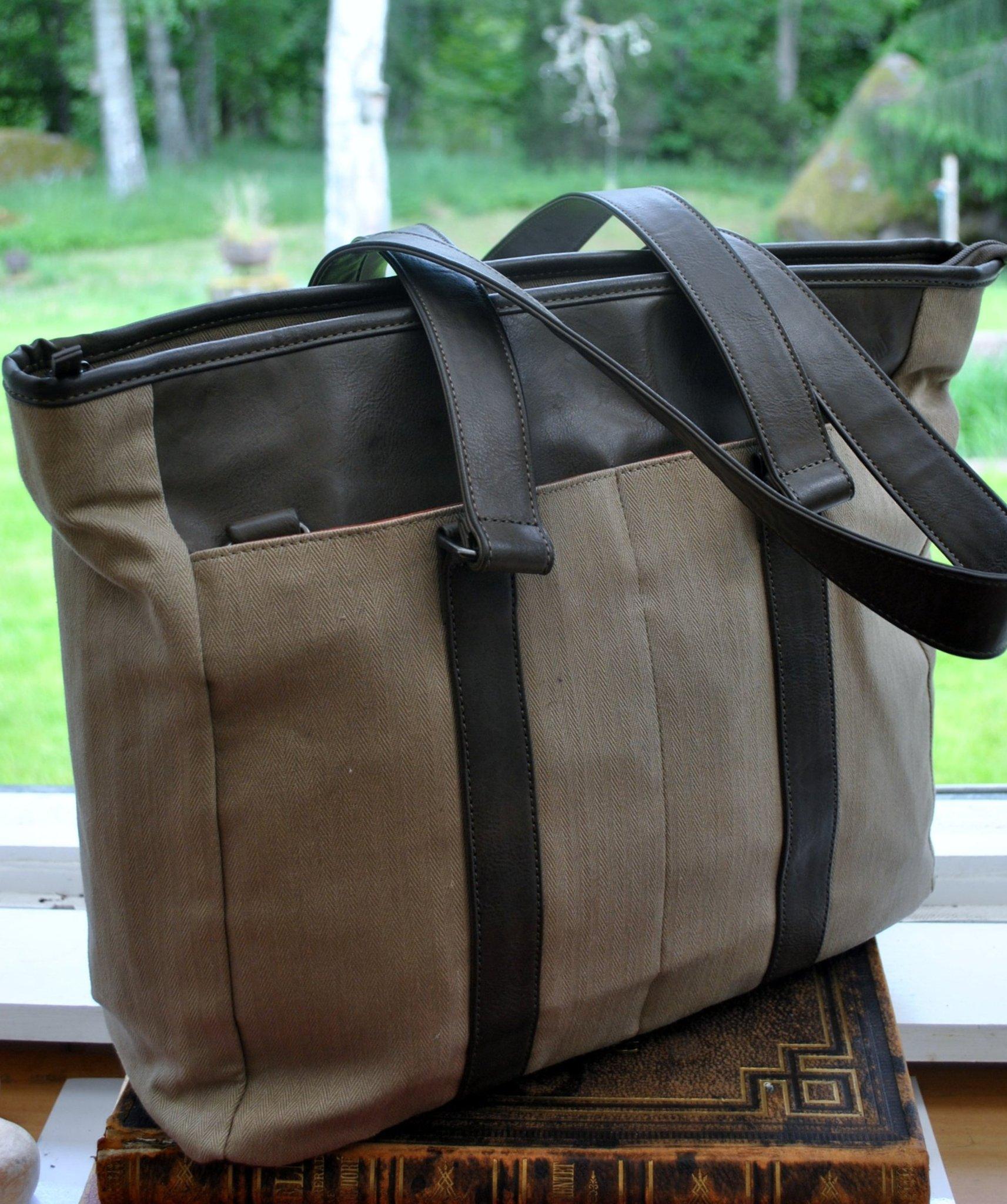 Fantastisk kvalité THINKPAD väska datorväska i fin unik design.