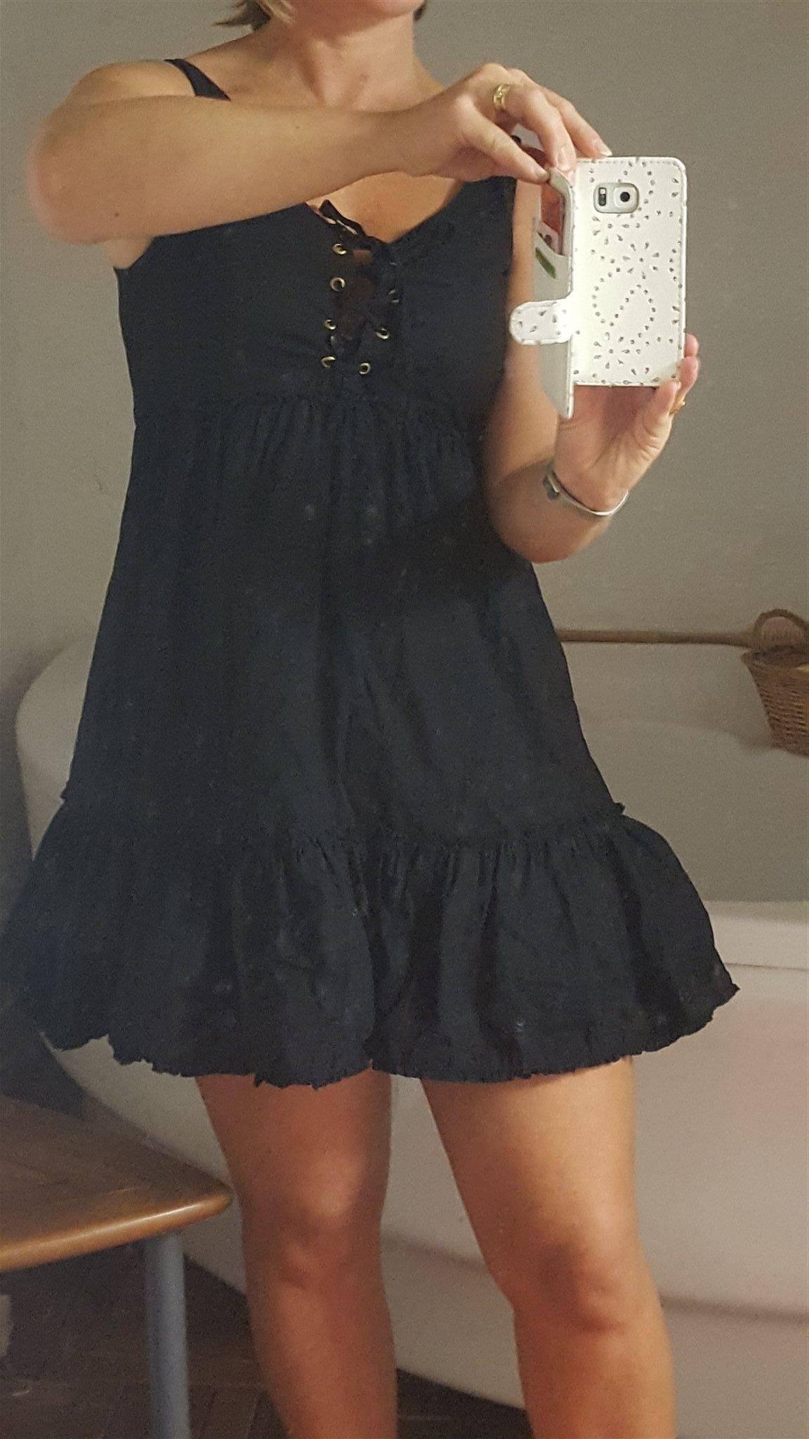 svart fin klänning