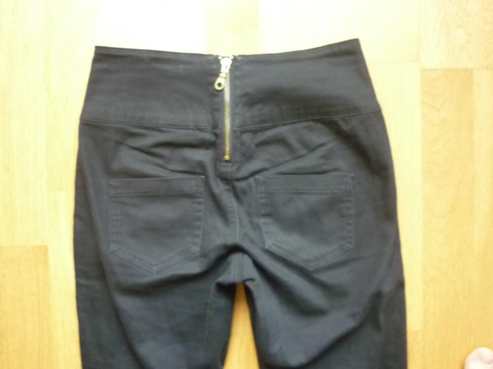 svarta jeans dragkedja