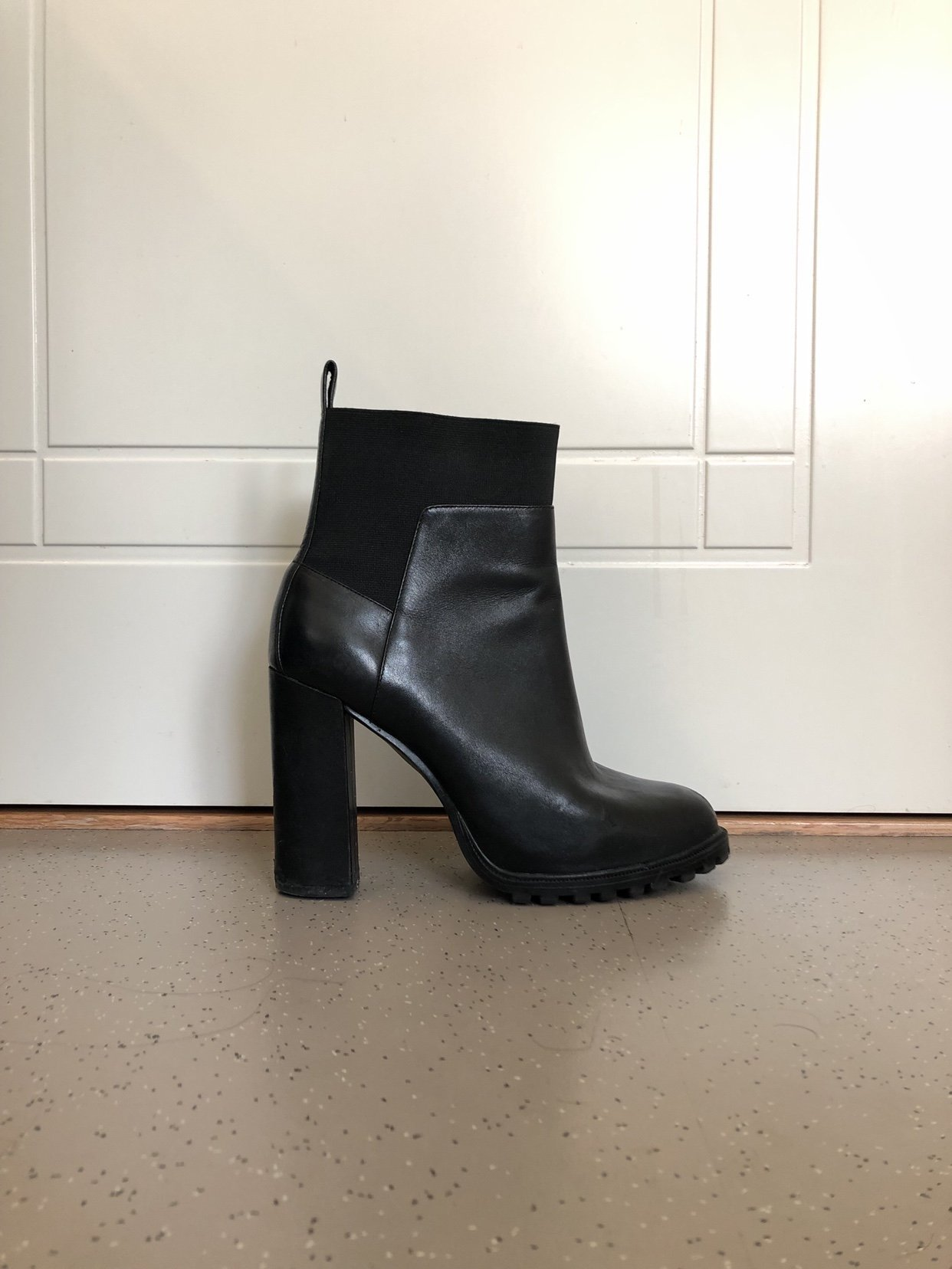 a0d288aefe9 ÄKTA SKINN, Zara boots med klack, strl 39 (349006463) ᐈ Köp på Tradera