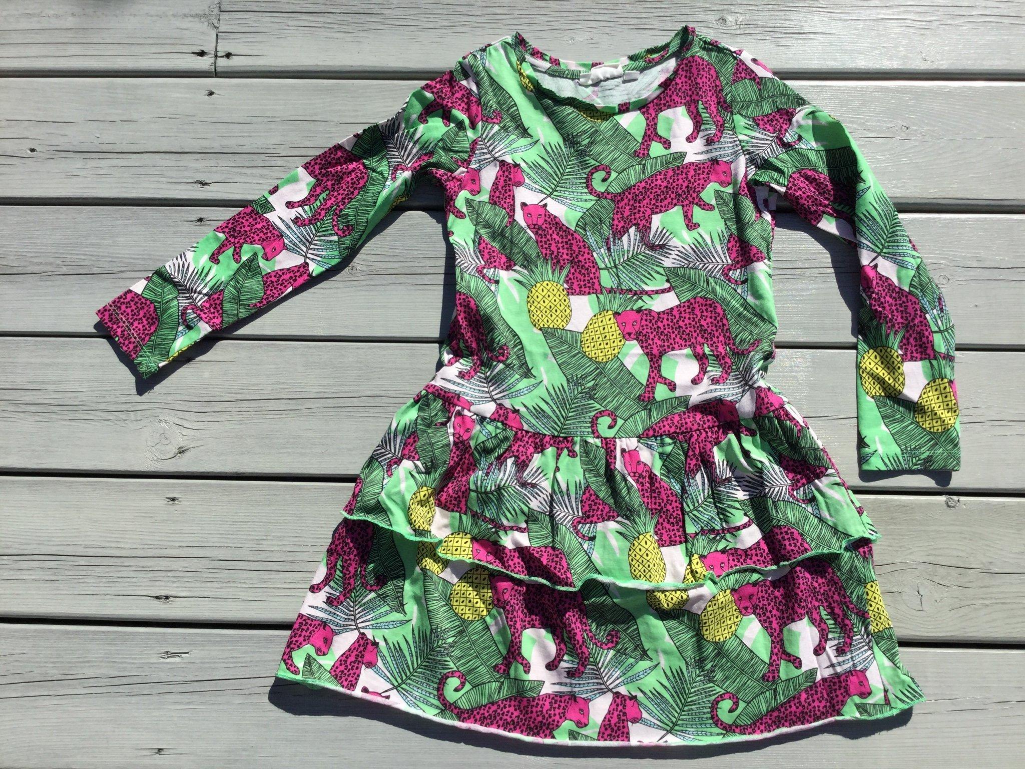 Klänning med volang, med ananas och rosa leopard, KappAhl. Nyskick!