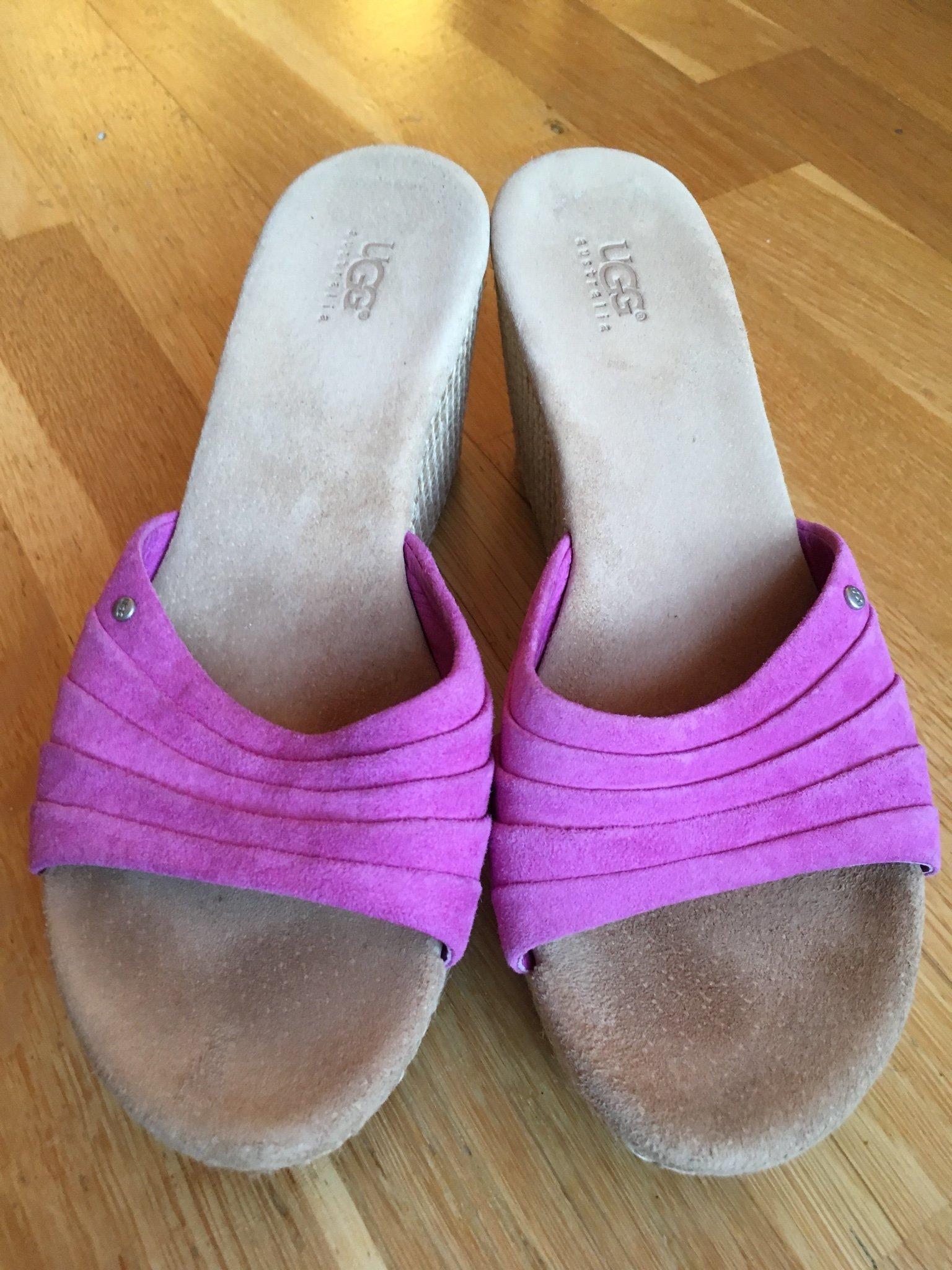 4ebd94bd679 UGG lila slip-in kilklack sandaler skor 37 (348090492) ᐈ Köp på Tradera