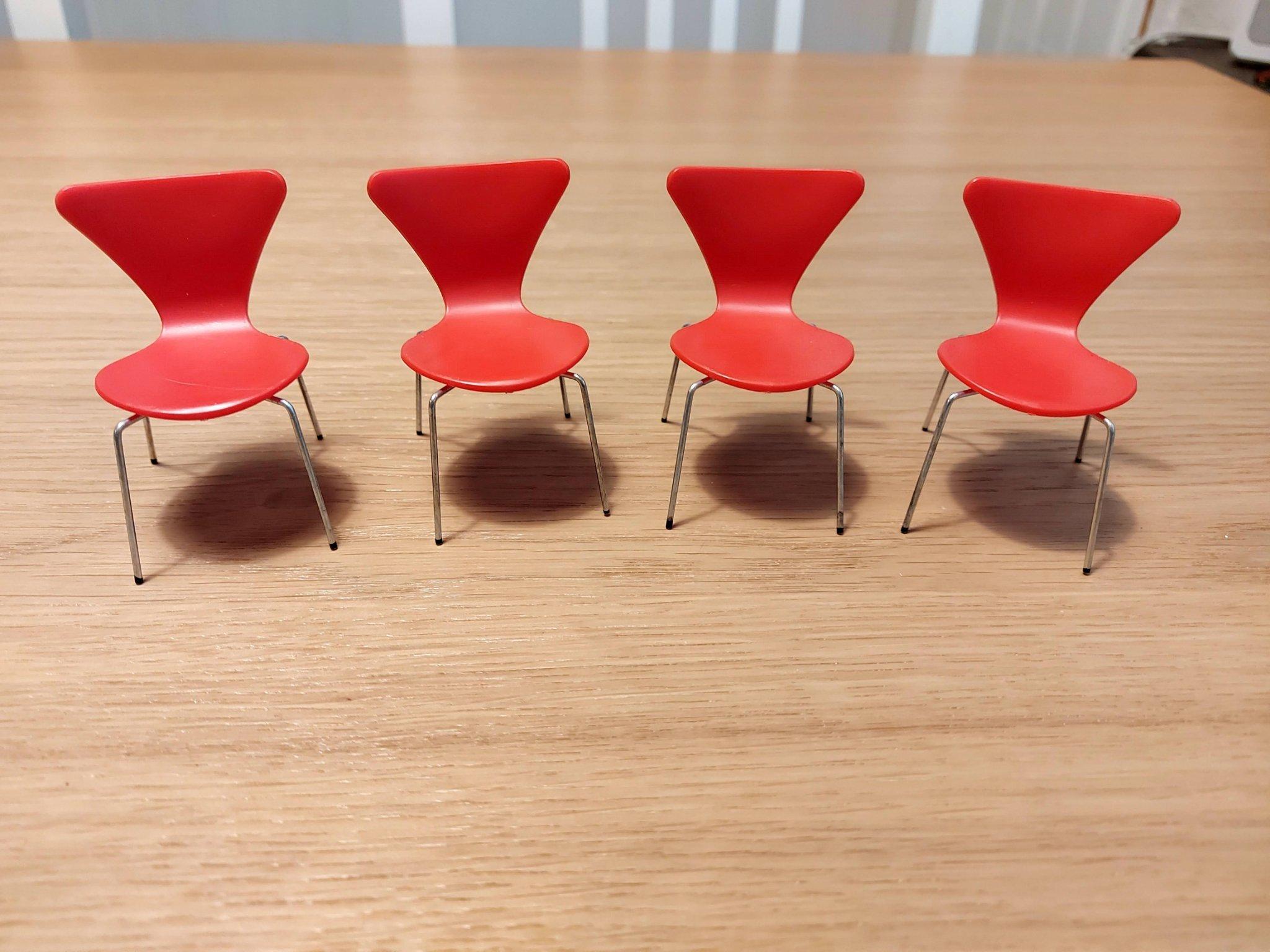 Arne Jacobsen bord till dockskåp. Brio Lundby. Retro 60 70