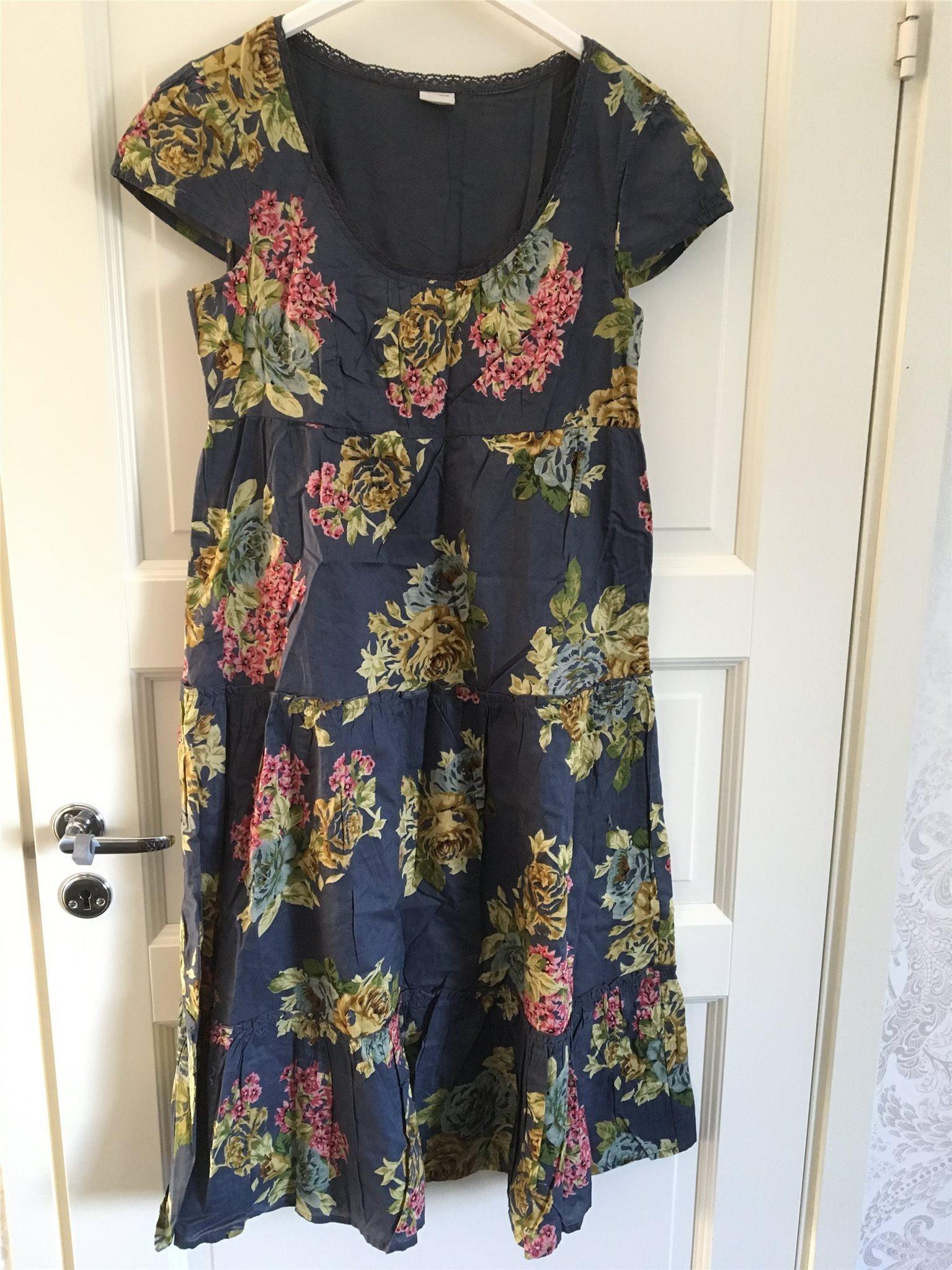 1d45f34735c0 NY/OANVÄND klänning ESPRIT, blommig, stl. 40 (348336544) ᐈ Köp på ...
