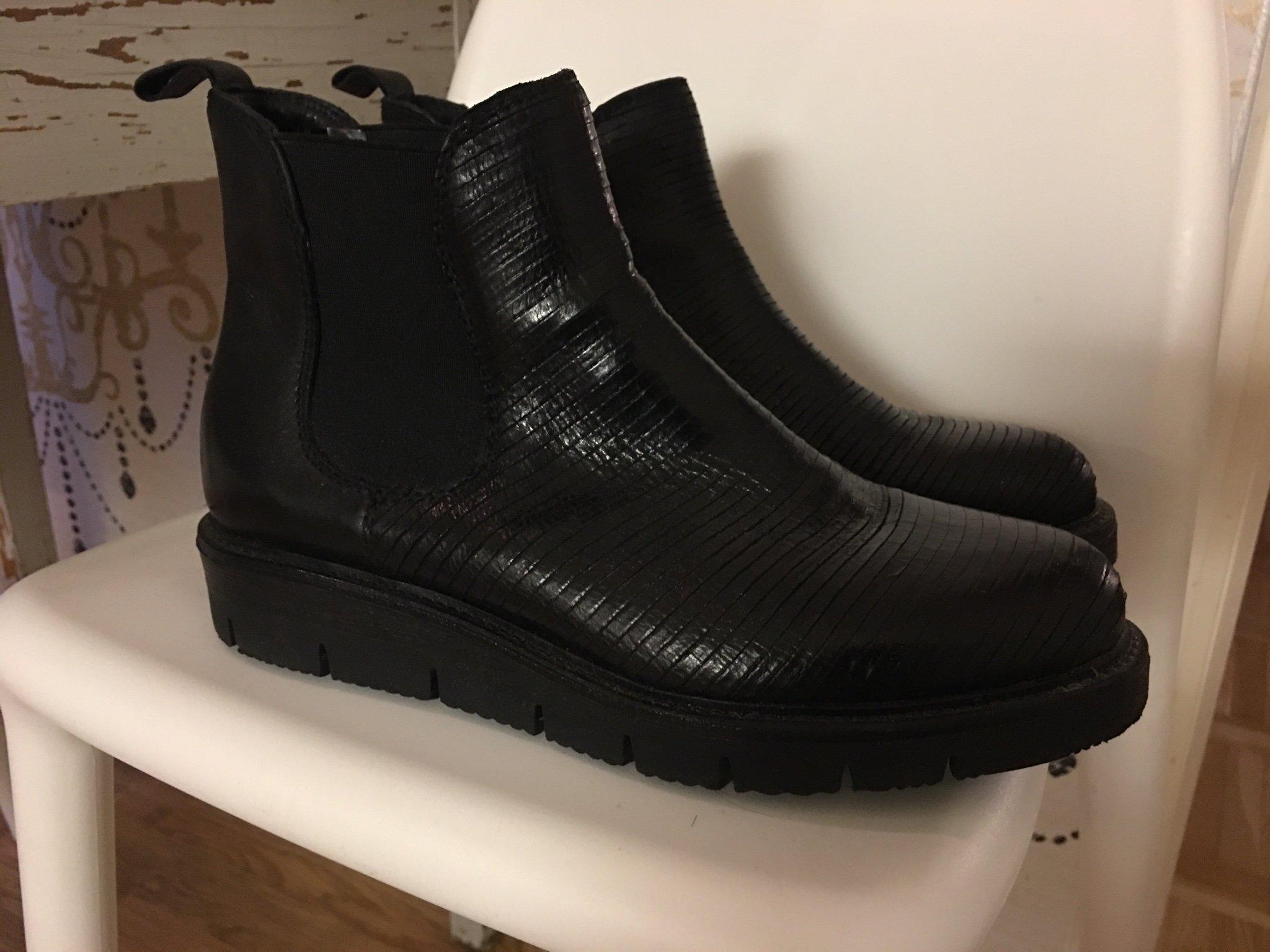 Trampolin Rosa Negra | Boots Kängor | Damskor