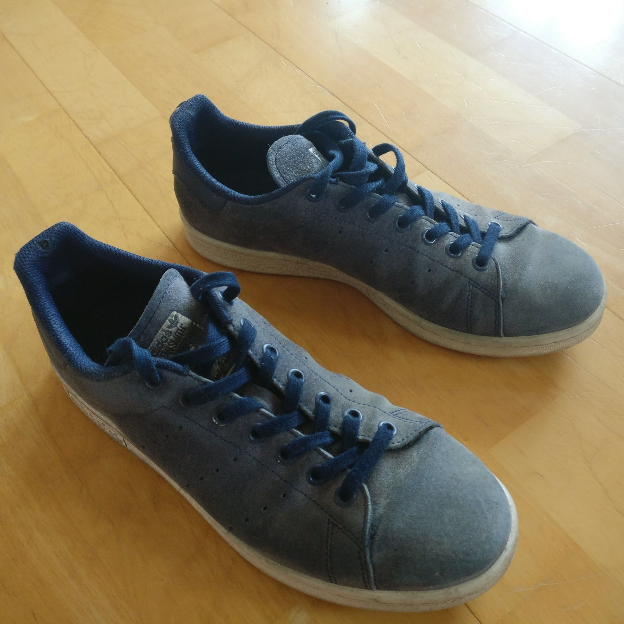 Skor sneakers från Adidas. Blåa Stan Smith. S.. (388779421