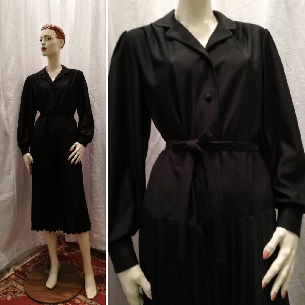 898856fc8f8f Vintage retro svart syntetklänning avskuren på höften plisserad kjol 70-tal  ...