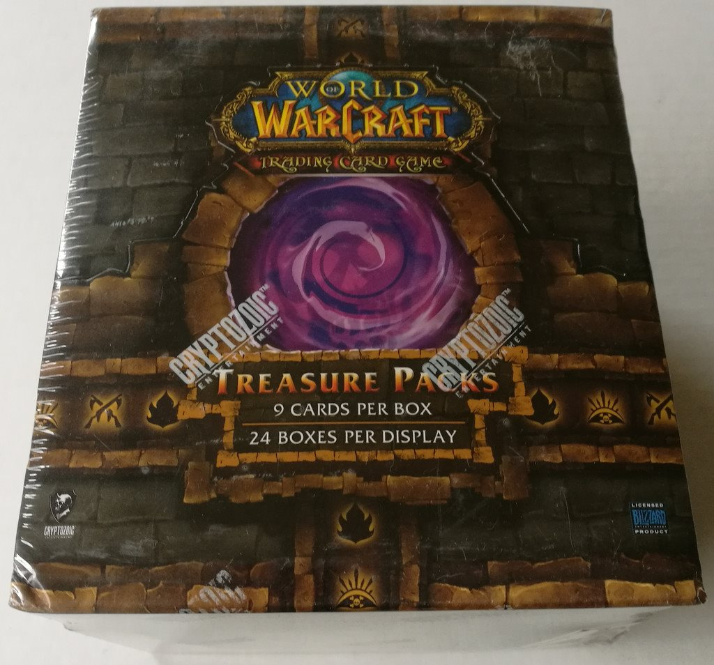 World of Warcraft TCG 2011 Dungeon Deck Treasure Packs Display