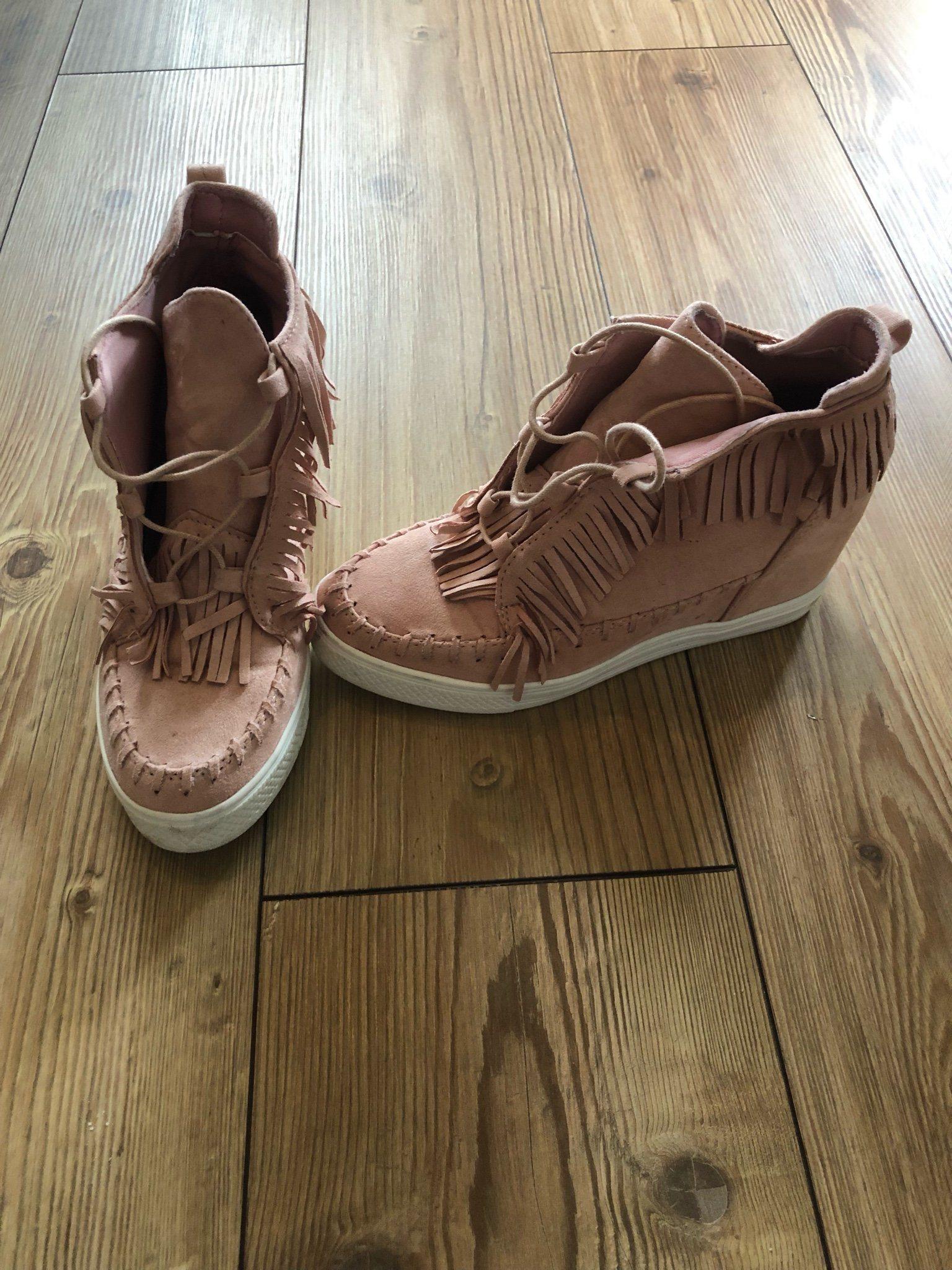 8f0571146ed Sneakers från Fanny Michel (342787019) ᐈ Köp på Tradera