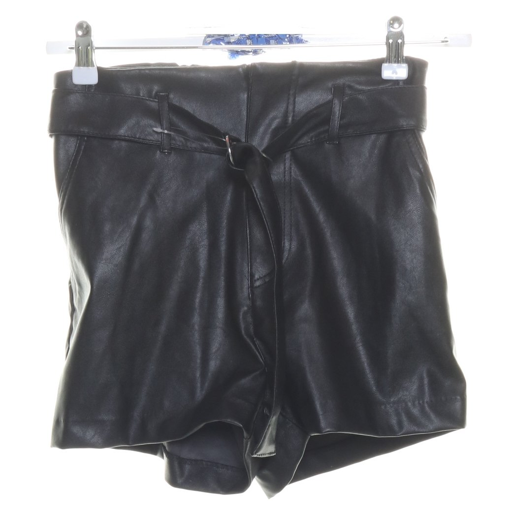 Divided by H&M, Shorts, Strl: 36, Svart, Polyuretan/Polyester
