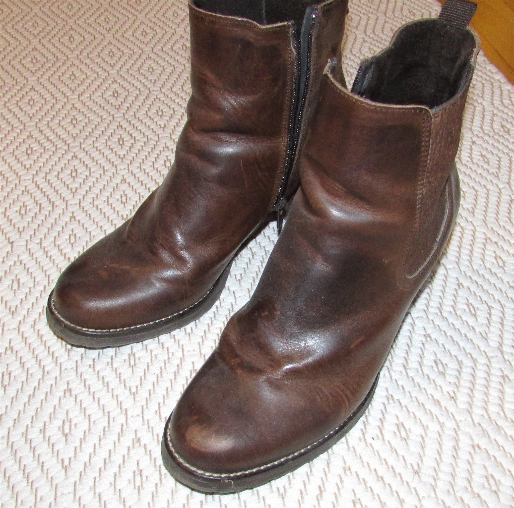 Mörkbruna läderstövlar 41 från Dasia