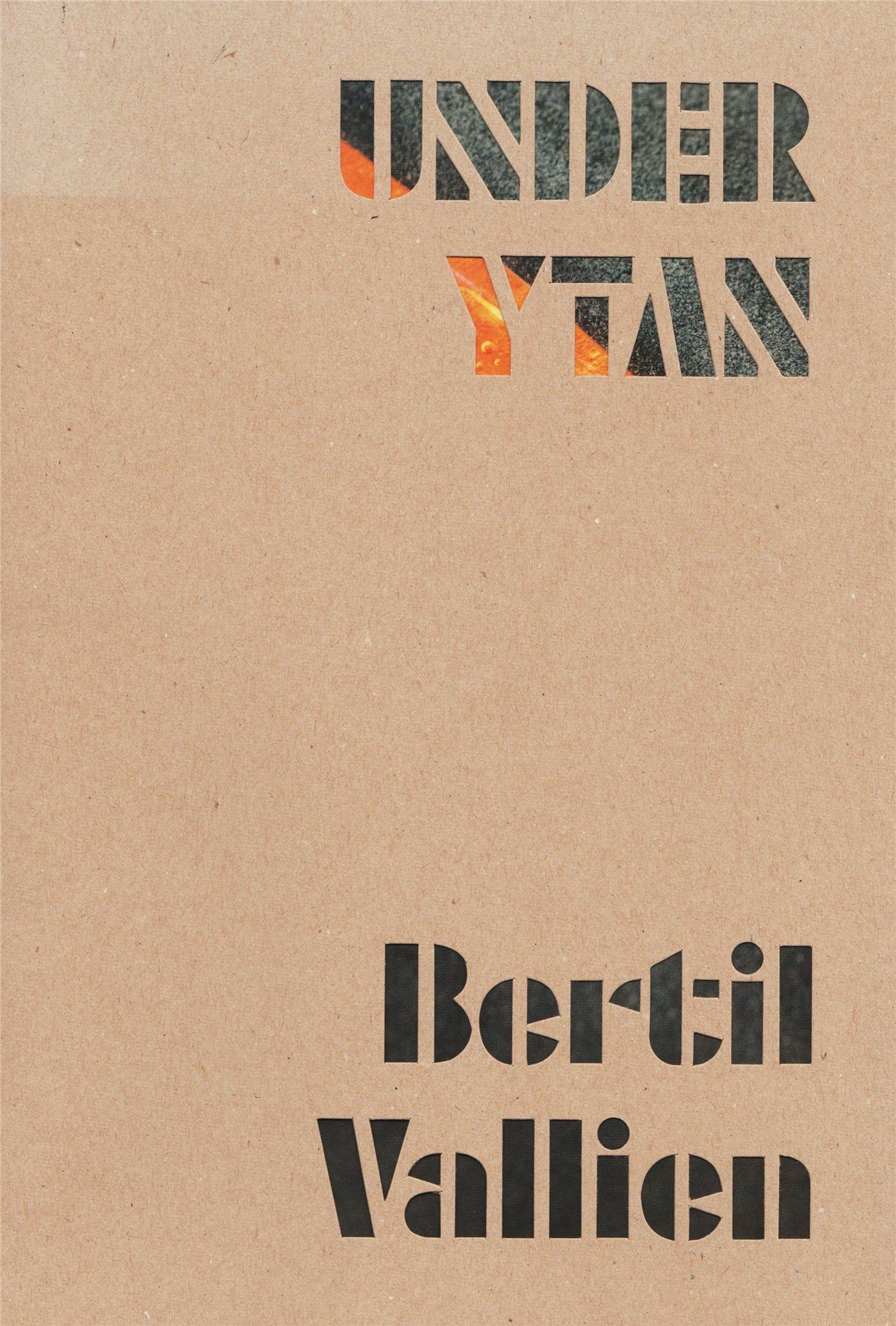 Under ytan - Bertil Vallien - elegant katalog från Spritmuseum