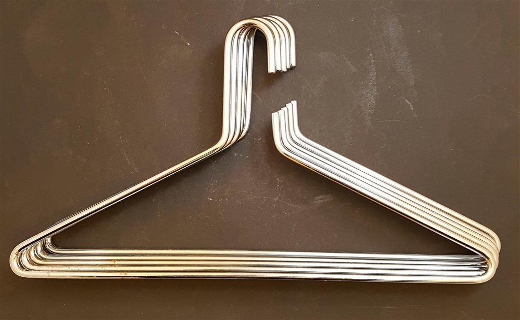 Klädhängare i kromad metall på Tradera comÖvrigt Hem och hushåll