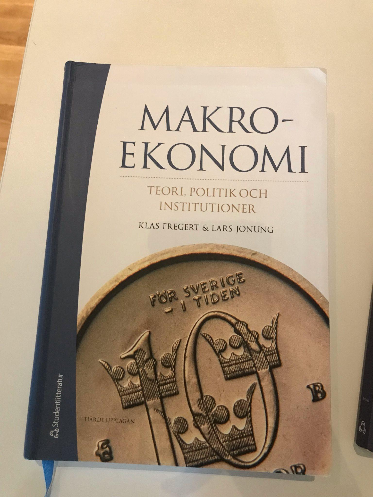 Makroekonomi teori politik och institutioner