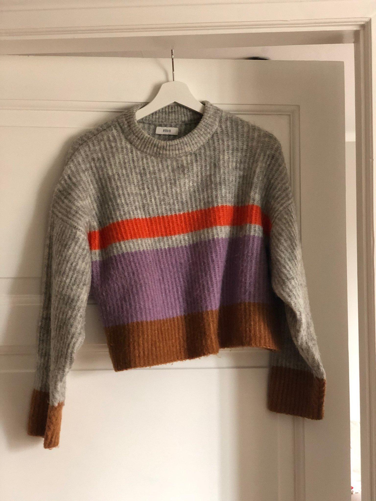 Stickad tröja från Envii
