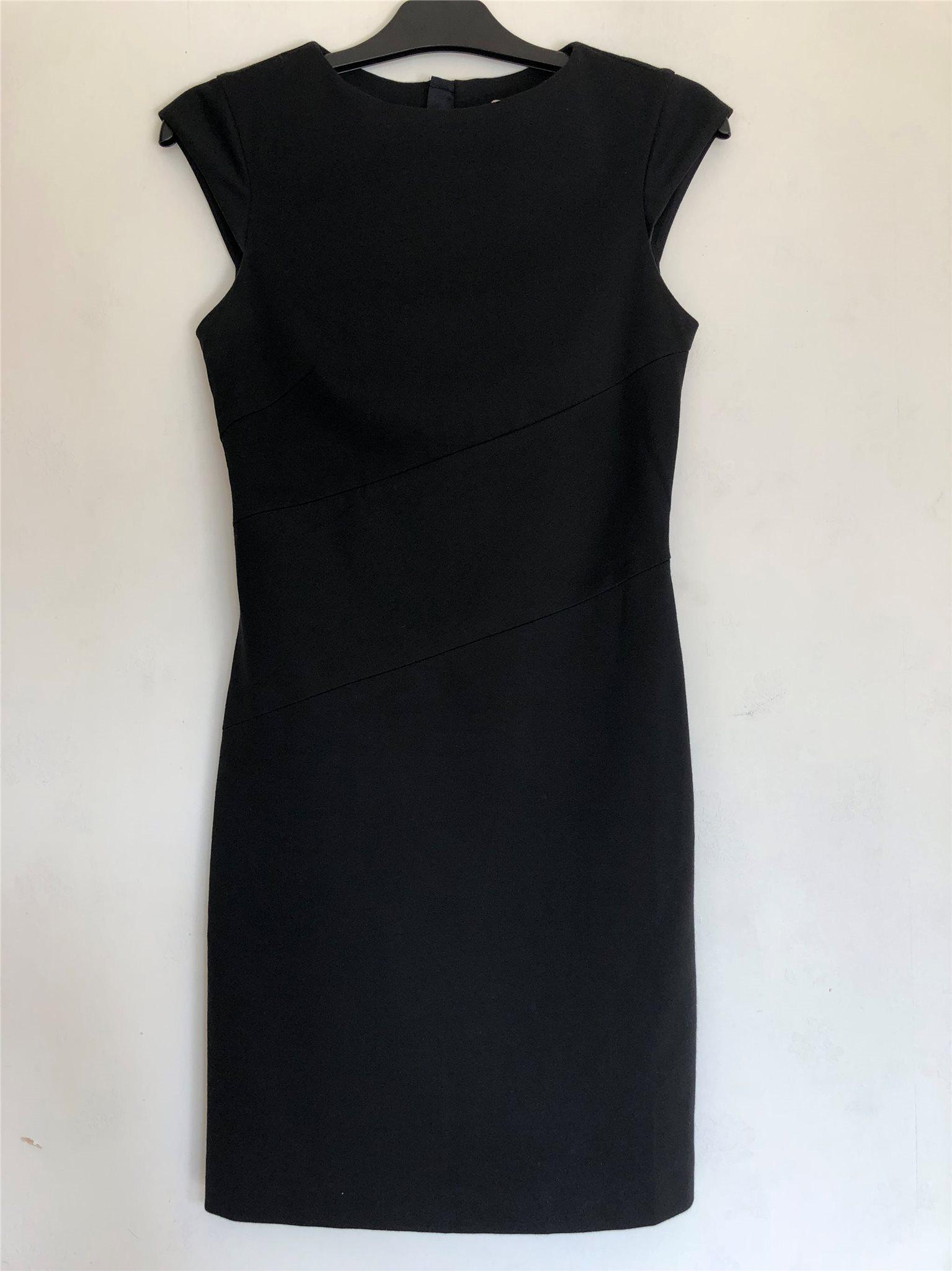 svart klänning esprit