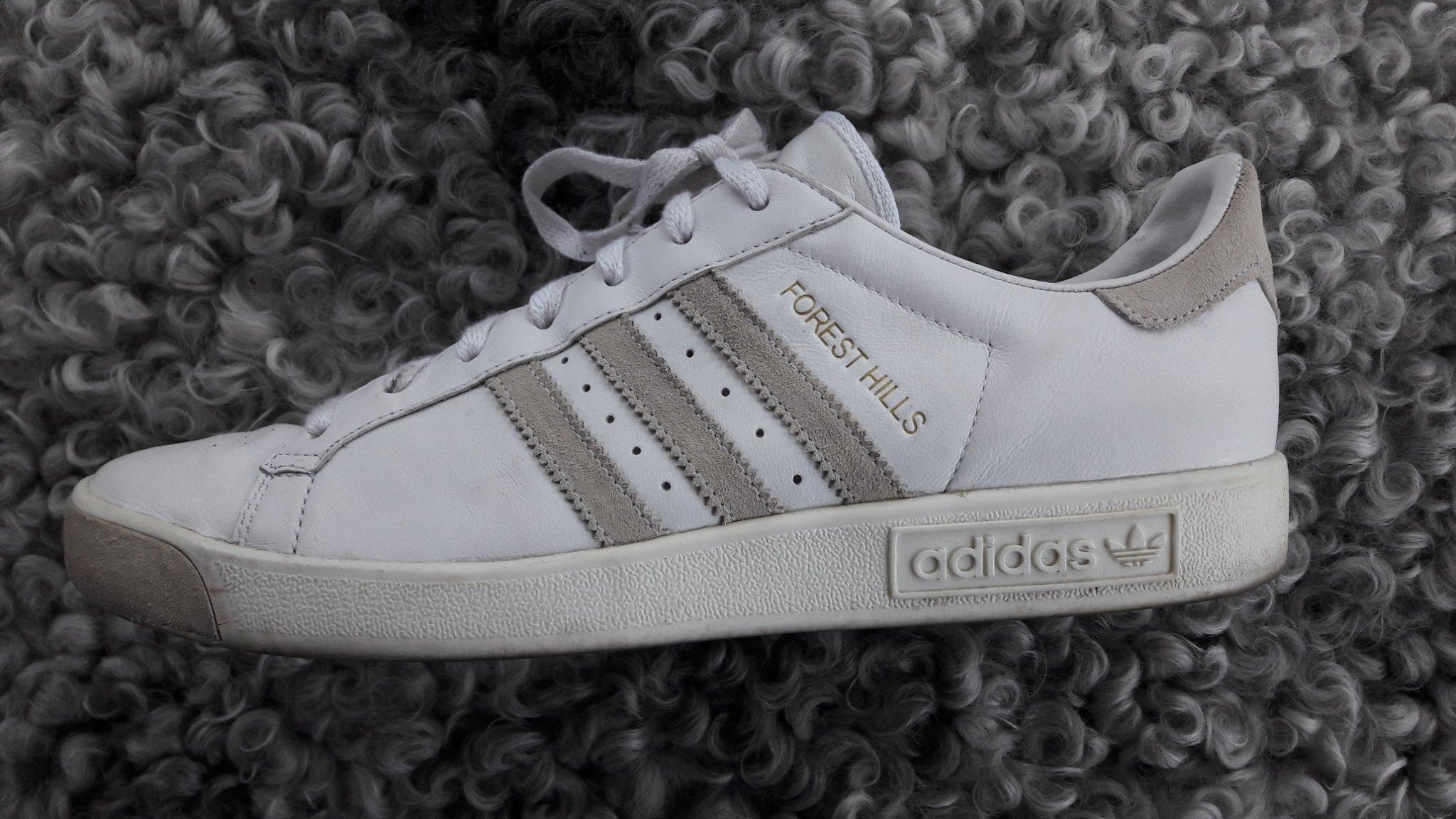 66908680beb Snygga vita Adidas Forest Hills retro tennis skor skinn sneakers sportskor  45-46 ...