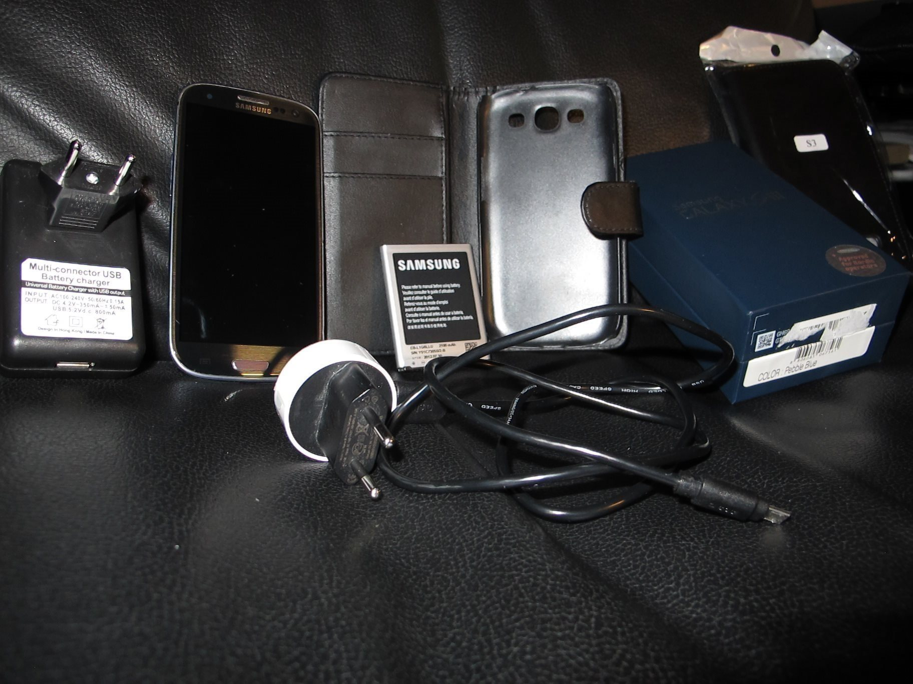 Samsung Galaxy S3 16GB. Modell:GT I9300. Pebbl.. (340645565