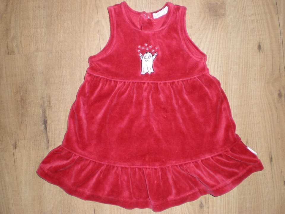 c829f2011c47 Underbar klänning röd med volanger o med Lilla .. (335196083) ᐈ Köp ...