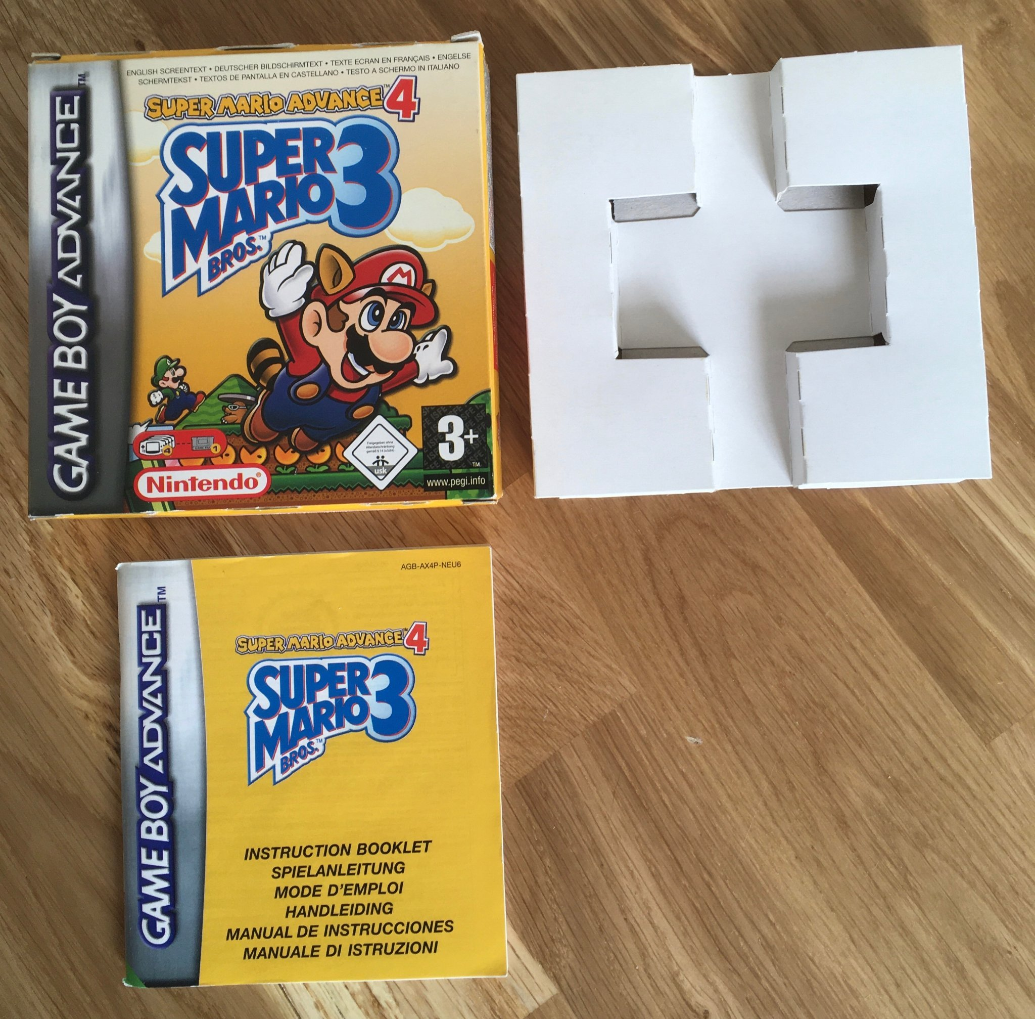 Super Mario Advance 4: Super Mario Bros 3 - GBA - Kartong och manual
