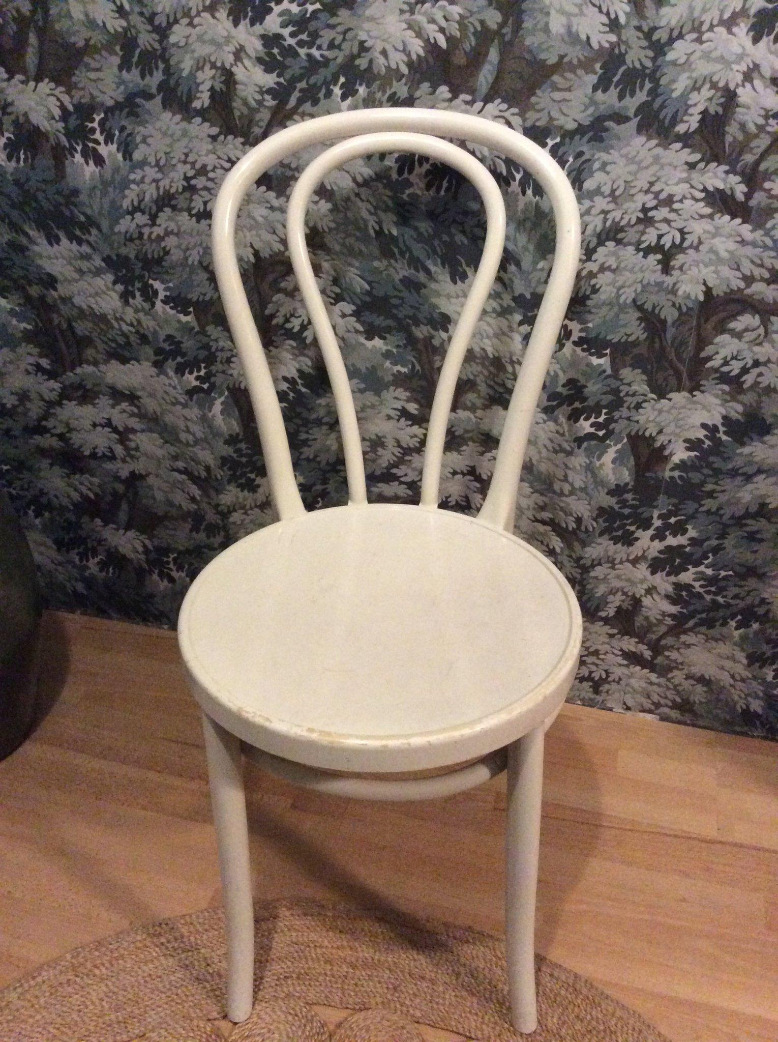 2 st vita retro stolar öglan IKEA i 2019 | Antikt retro