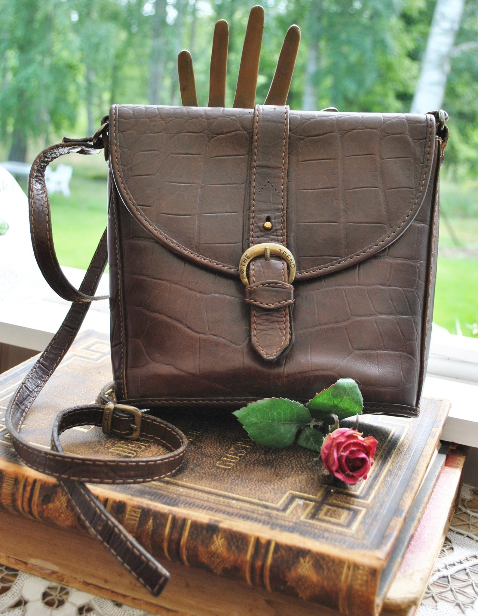 Tidlös kvalité THE TREND läder väska axelremsväska i fin ITALIENSK design
