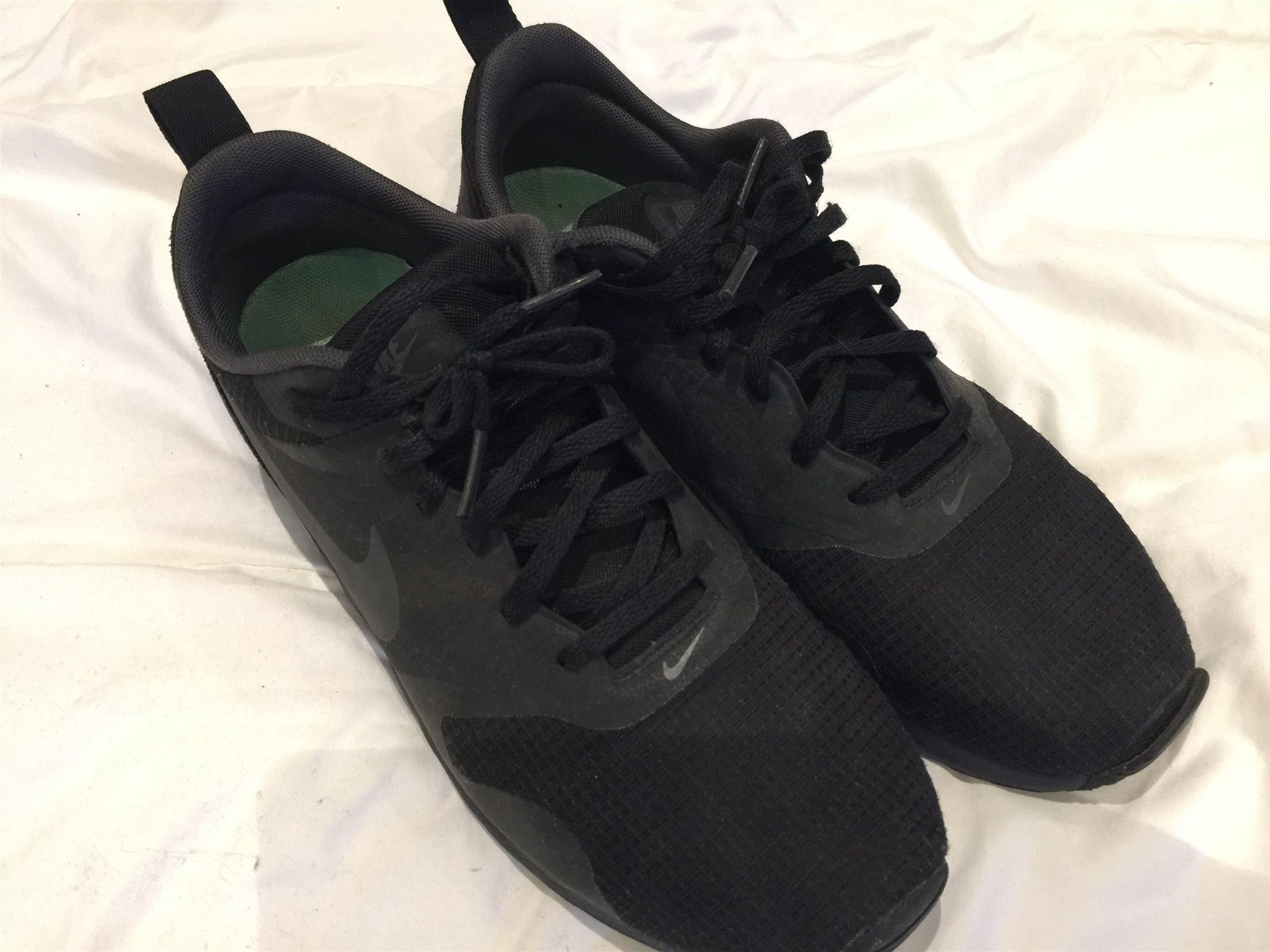 low priced 3e4d3 628a3 NIKE AIR MAX TAVAS Stl 42 Nike Air max