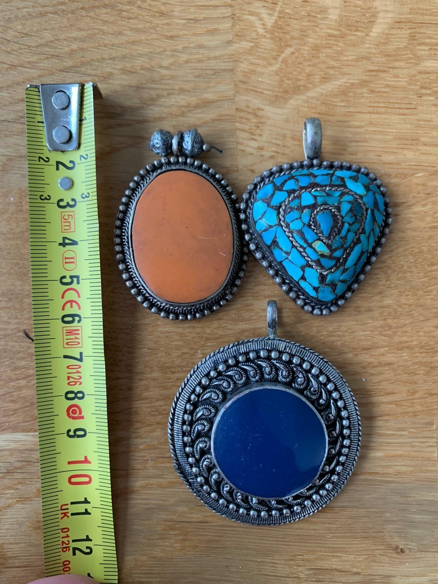 smyckesdelar och pärlor