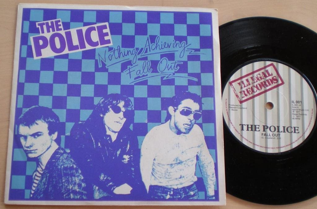 Police 45/PS Fall out UK 1979 Rare Blue/Purple PS