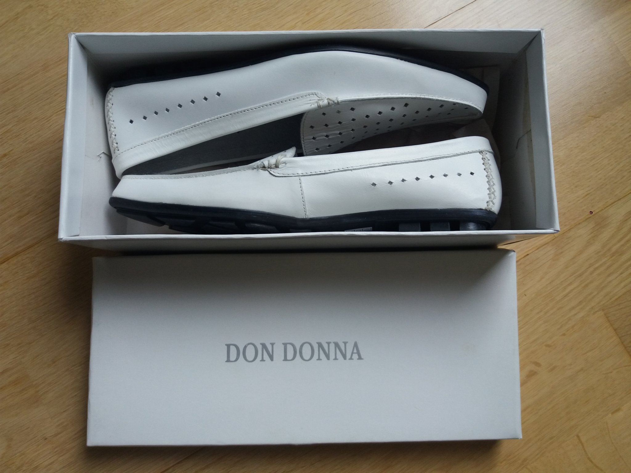 Don Donna skor i skinn i storlek 38